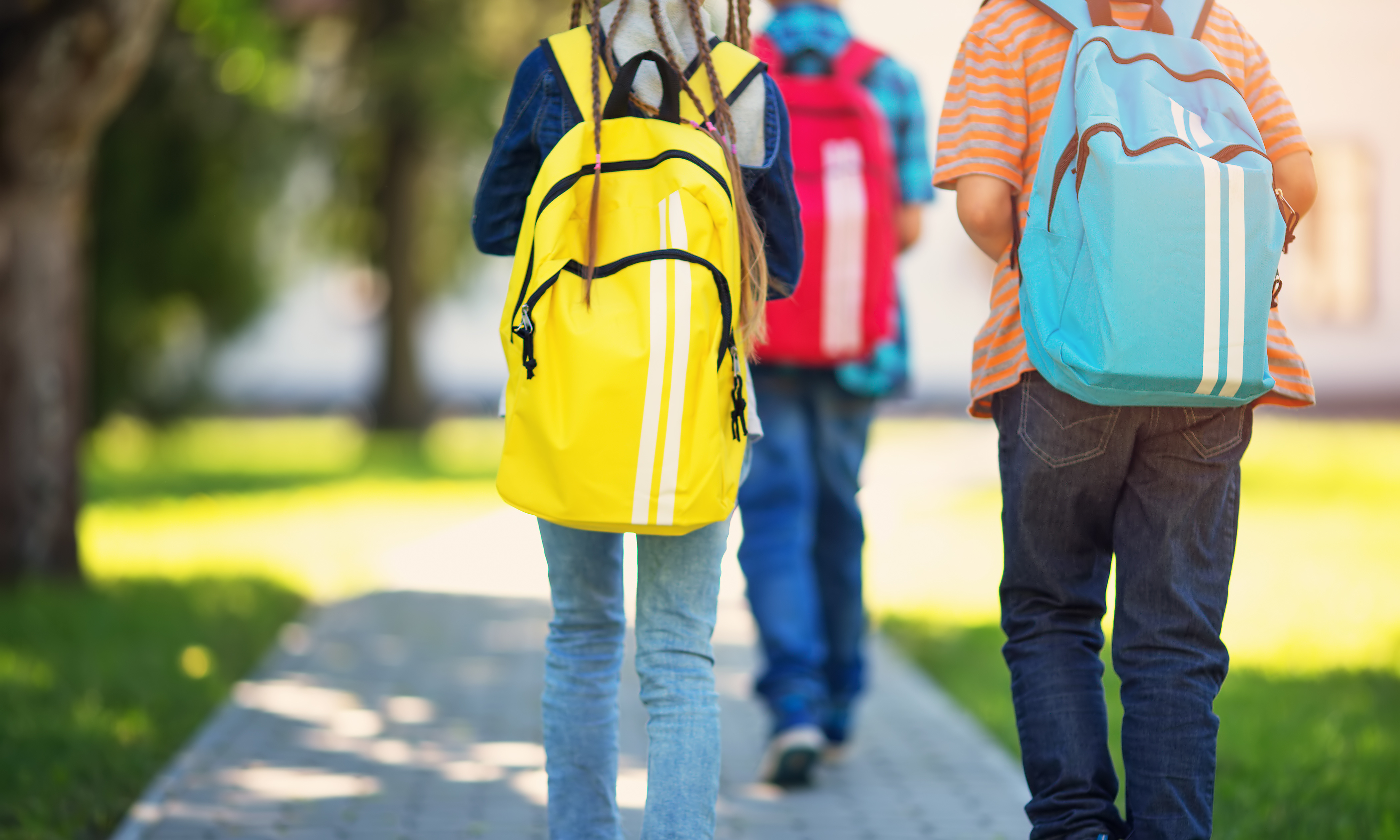 How to wear backpack to avoid pain